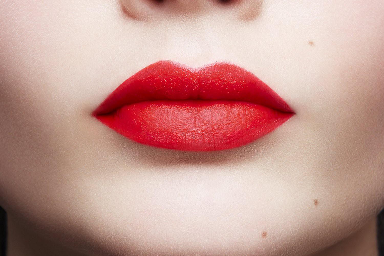 Картинки губной помады на губах