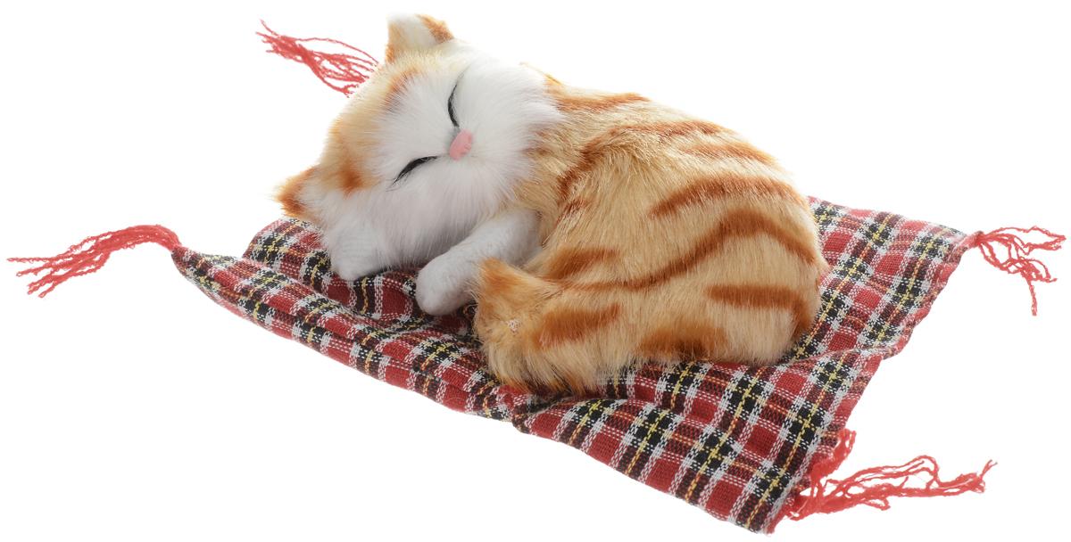 Картинка кошка на коврике